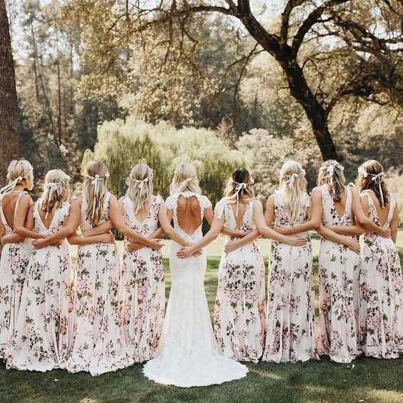 We're suckers for floral bridesmaid dresses — What's your fave bridesmaid style? | : @jordanvoth: