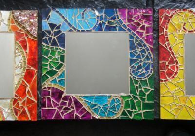 Espejos con marco decorados espejo vidrios de colores for Como hacer un espejo con marco de madera
