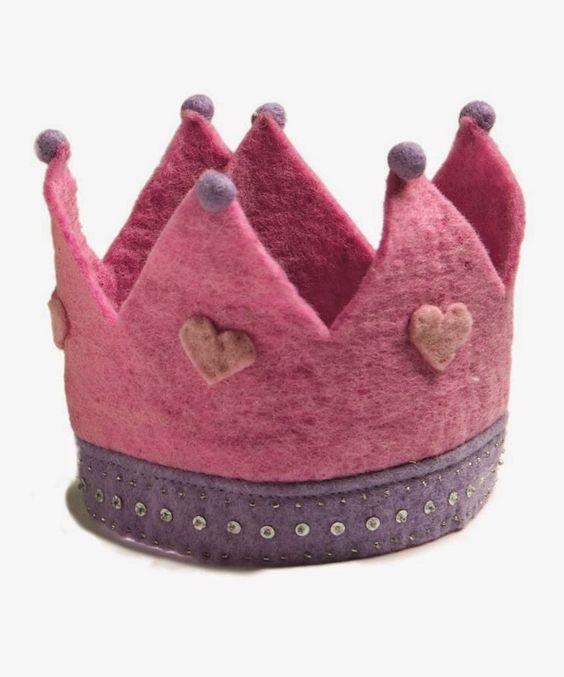 Coroa para criança http://rosaaffair.blogspot.pt/2014/12/coisas-que-gosto-6.html