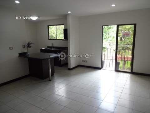 Apartamentos Colón | venta | APTO EN CONDOMINIO CON PISCINA EN CIUDAD COLON. $108000. Ganga!! : 2 habitaciones, 82 m2, USD 108000.00