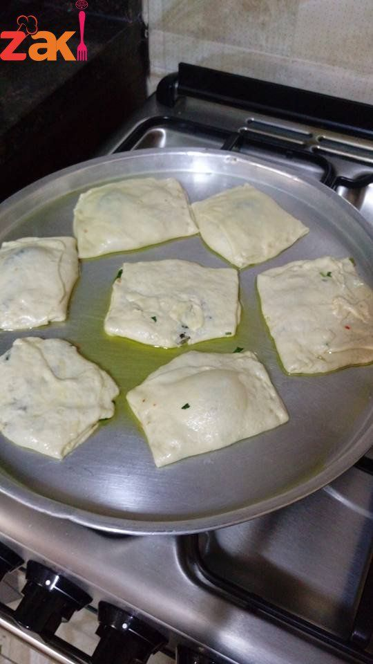 طريقة عمل فطائر السبانخ بالطريقة الفلسطينية زاكي Food Arabian Food Recipes