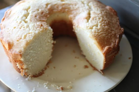 Mama's Pound cake (Basic Whipping Cream Pound cake)