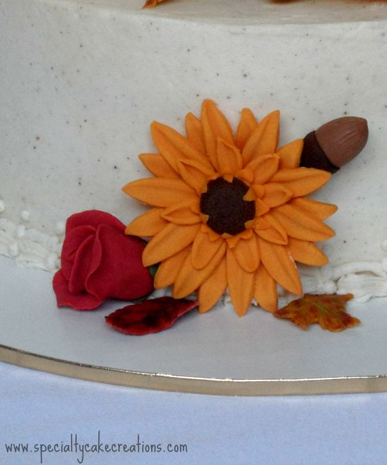 ... -white effect still maintains the elegance of this fall bouquet cake