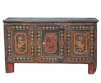 тибет 19 век. шкаф-стол  крашеное дерево