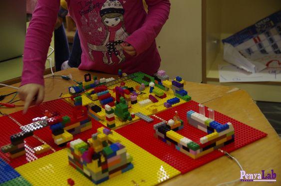 Construïm un poble domòtic a infantil