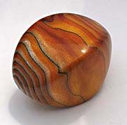 I wonder if I have the patience to try to make this type of bead... ;)