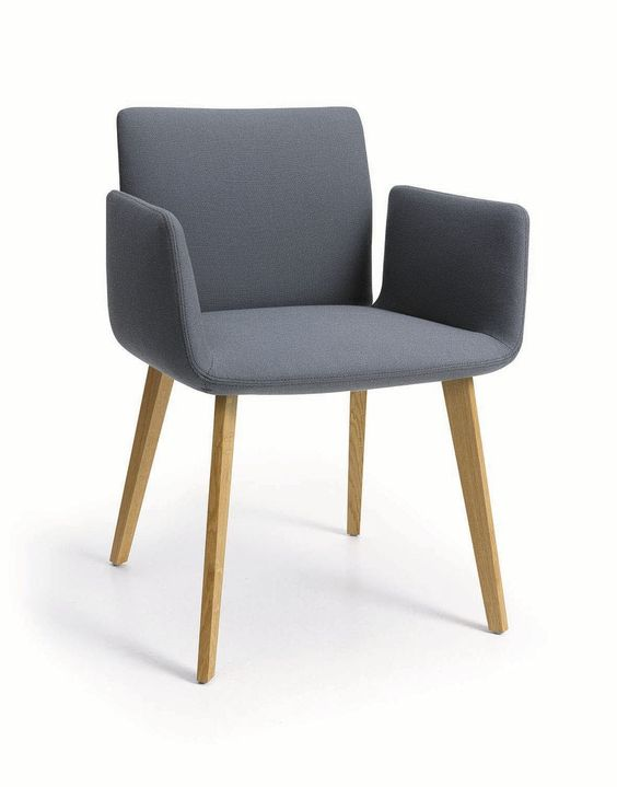 Silla moderna con brazos tapizada jalis by jehs laub for Sillas madera modernas