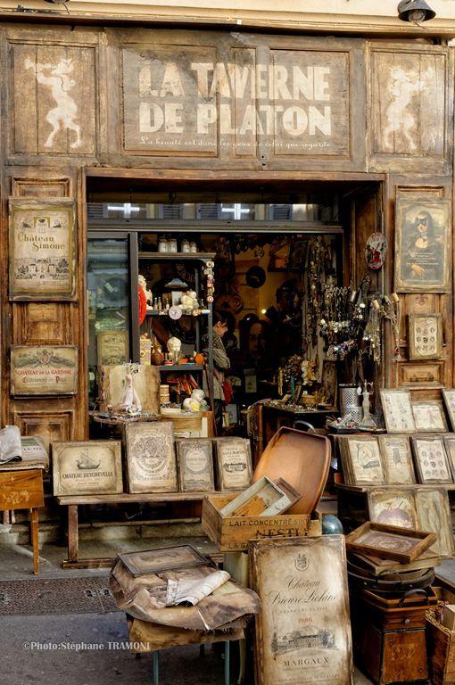 """A shop in Aix-en-Provence, France..... Librairie """"La taverne de Platon"""". Non ce n'est pas la caverne de Platon.:"""