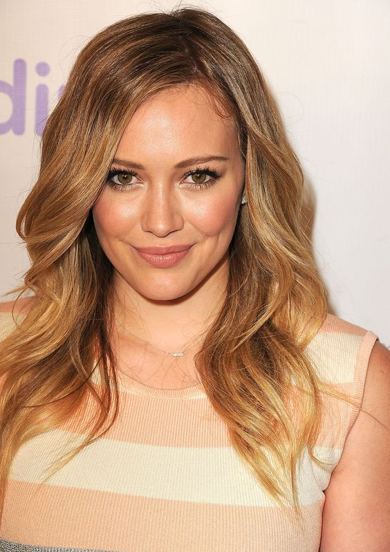 Everyone Thank Hilary Duff—She Found the Perfect Eye Makeup Look for Your Office Holiday Party: Girls in the Beauty Department