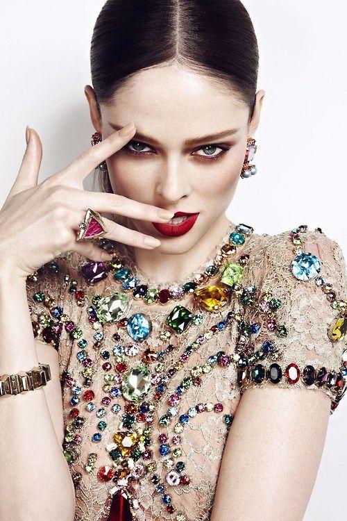 http://www.beadshop.com.br/?utm_source=pinterestutm_medium=pintpartner=pin13 Coco Rocha in Dolce Gabbana vestido com pedrarias e strass