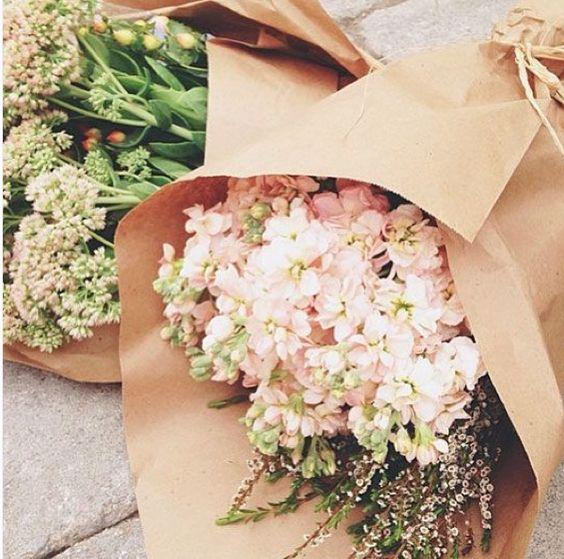 Ballade au marché Bloomings Bon dimanche #verymojo #dimanche #sunday #summer #marché #flowerpower #blooming ► www.verymojo.com ◄