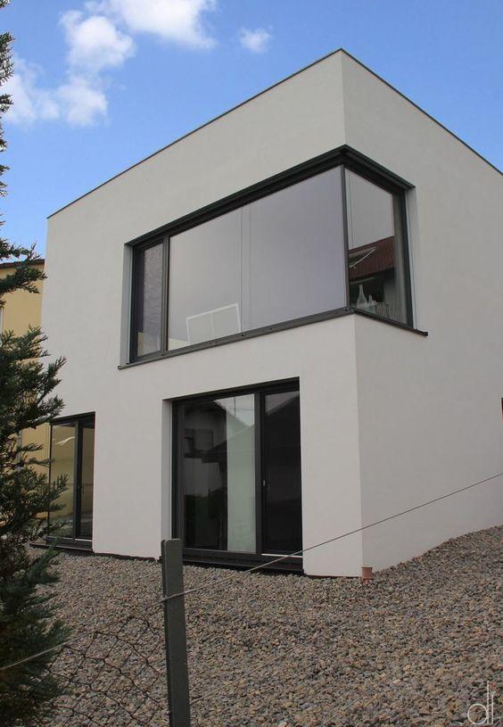 Fassadenfarbe beispiele gestaltung bungalow  Die 25+ besten Fassadenfarbe beispiele Ideen auf Pinterest | HGTV ...