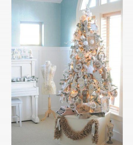 No l interieur and d coration on pinterest - Sapin de noel blanc et argent ...