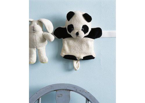 Pegar una tira de velcro para ordenar los peluches de los niños y varias ideas más