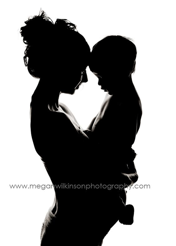 maternity silhouette with toddler