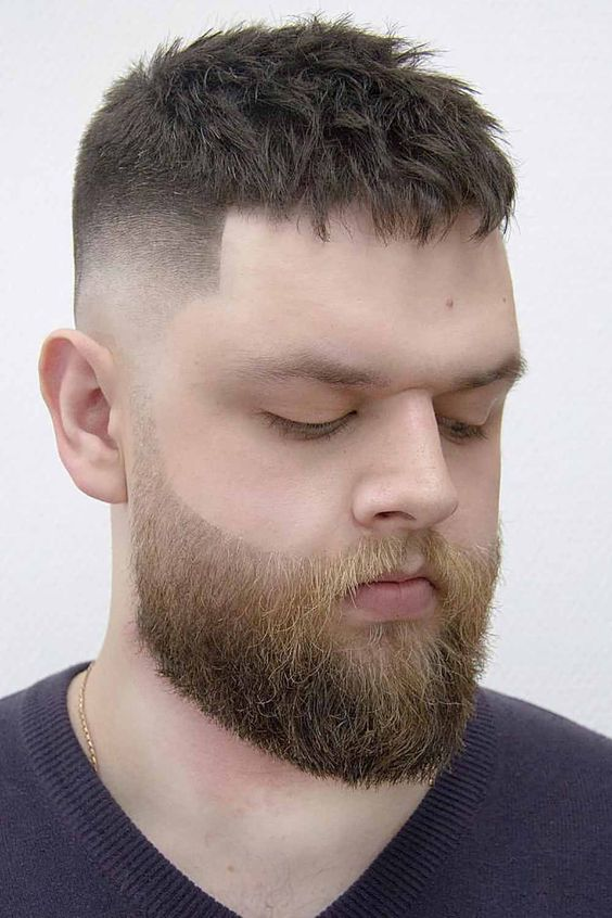 The best haircuts for men: what do they look like? This post is the answer! Check out the gallery of trendy short, medium, and long haircuts that men opt for in 2020. Popular haircuts with a side part, ways to tame curly and wavy hair with a fade, and amazing options for those with beards are here! #besthaircutsformen #menshaircuts #haircutsformen #menhaircuts #menshairstyles