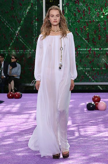 Silhouette_04 / Haute Couture Autumn-Winter 2015-2016 Fashion Show / Haute Couture / Woman / Dior official website