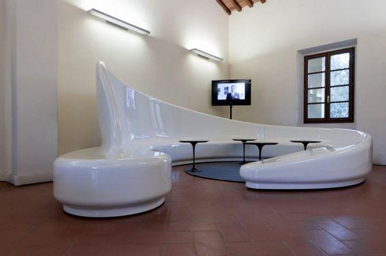 Simple-Modern-Living-Room-Chairs-Unique-Circular-Table-TV-White-Ceramic-Floor-Window.jpg 1200×799 pixels