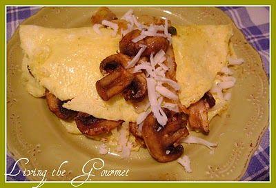 Living the Gourmet: Mushroom & Onion Omelet