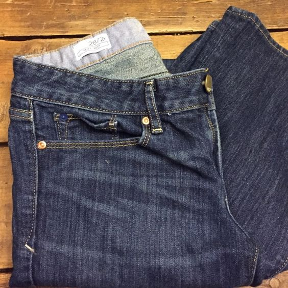 GAP sexy boot jeans Excellent condition GAP sexy boot jeans size 26/2r GAP Jeans Boot Cut