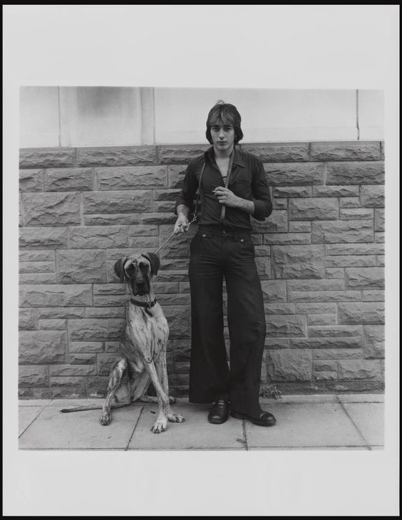 photo by keith arnatt, walking the dog series,1976-79: