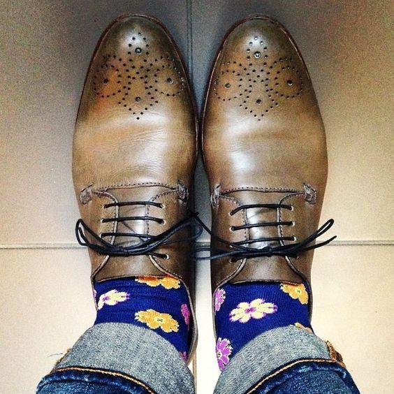 Zapatos y calcetines.