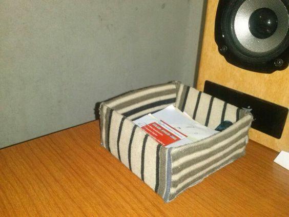 Porta papeles para anotar hecho con carton forrado de tela
