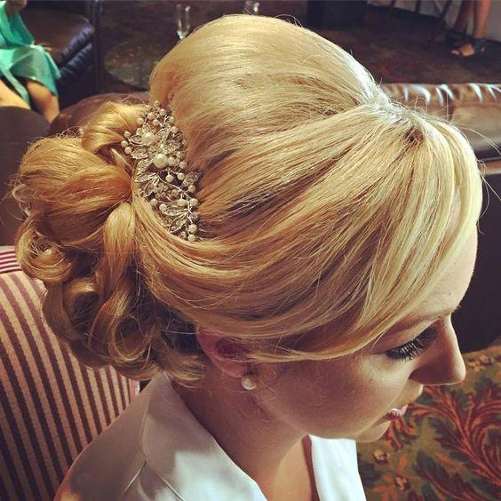 Here's my bride @dovecanyongc I did her hair #updo #elegantbridalhair #sidedo #lisaleming #bridalhairbylisaleming