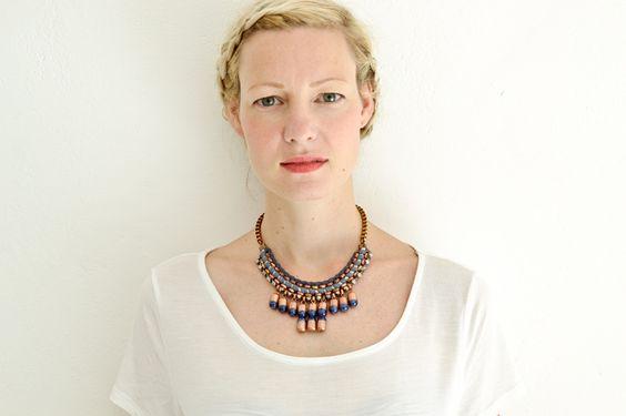 Dunkelblau und Kupferne Statement Halskette von Gudbling auf DaWanda.com