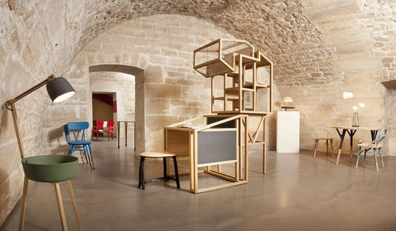 Galerie Gosserez, vue du sous-sol, les pièces rayonnent dans cette très belle cave voûtée.