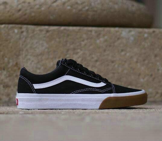 Vans Classics Old Skool Gum Bumper Black Black White Gum Vn0a38g1qr4 Skate Shoe Vans Vans Vans Classic Skate Shoes