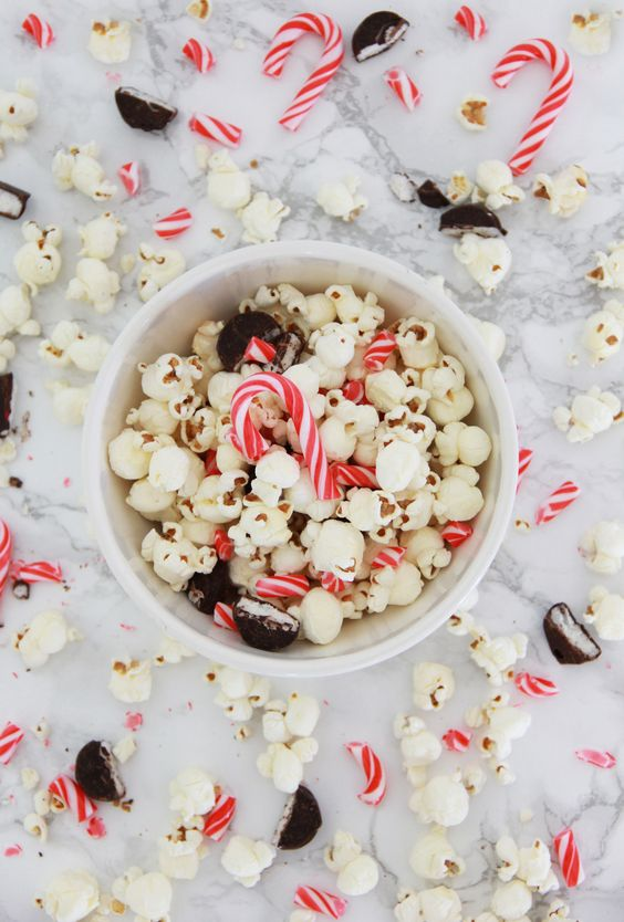 Peppermint Patty Popcorn Recipe // inspired by the Peanuts movie!