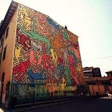"""La piazza del murale """"Tuttomondo"""" diventa un salotto all'aperto"""