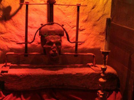 Instrumentos  de tortura reales F012291f86ec1601d94d44978d288234