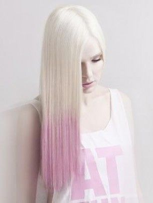 Colore capelli tye die biondo e rosa~  pretty sure it says platinum blonde to pink (ombre hair).Beautiful!