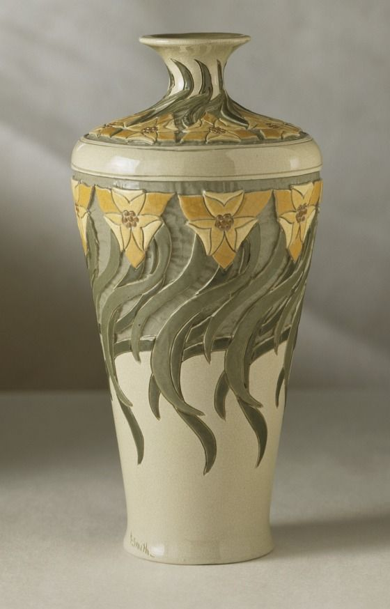 "Roseville - Della Robbia - Helen Smith - Vase - Ca. 1906 - 10 7/8"" - Los Angeles County Museum of Art"