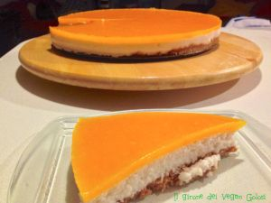 """Semifreddo al cocco con """"glassa"""" al cantalupo (melone arancione)"""