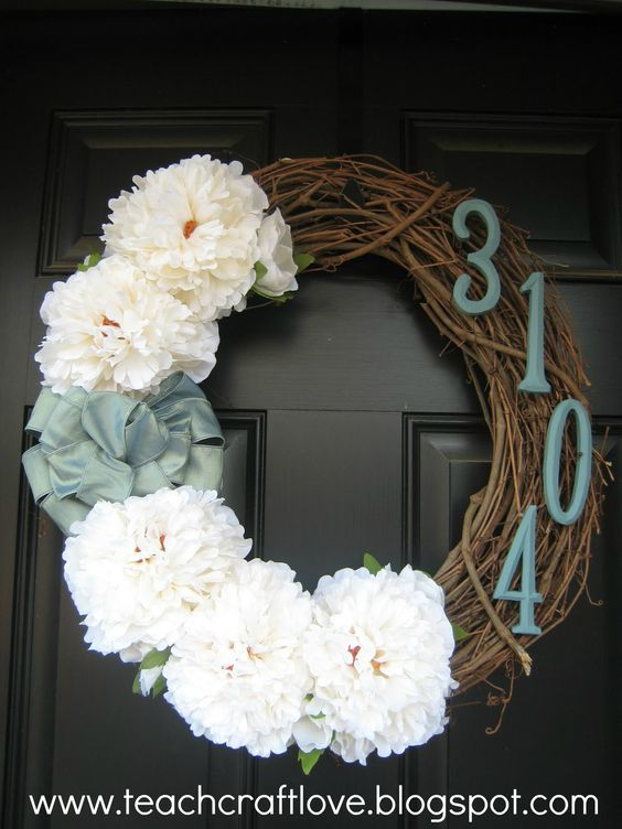 Totally going to make this for my front door once I paint the dang thing.: Housewarming Gift, Wreath Idea, Spring Wreath, Diy Craft, Address Wreath, Front Door Wreath