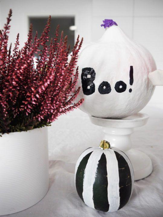 Halloween Herbst Deko Diy In Schwarz Weiss Minimenschlein De In 2020 Halloween Herbst Deko Kurbisse Anmalen Basteln Und Selbermachen