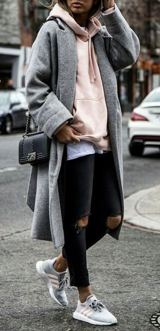 Gorgeous 123 Awesome Winter Outfits To Update Your Work Wardrobe #women fashion # via http://glitterous.net/2018/07/123-awesome-winter-outfits-to-update-your-work-wardrobe/