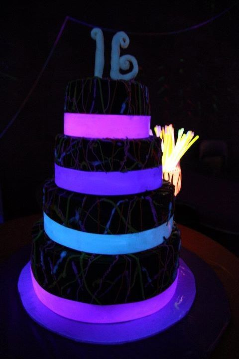 glow in the dark cake the world s catalog of ideas 4514