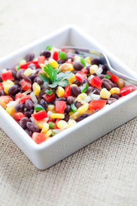 Salade de maïs et de haricots noirs - Châtelaine