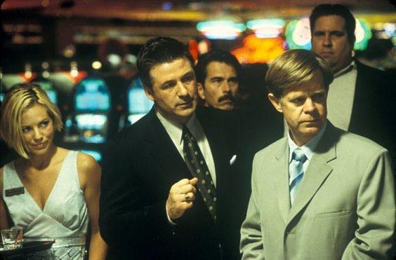 """""""Gözlerimin içine bak. İhtiyacın olan tek ayna benim.""""    The Cooler (2003)"""