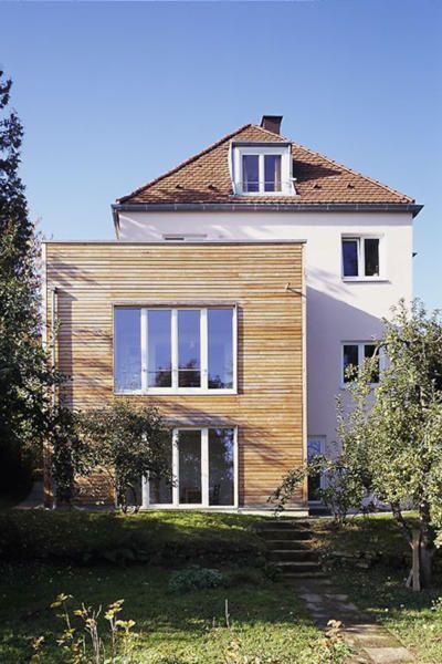 Zweistöckiger Holzanbau   ROOMIDO.com