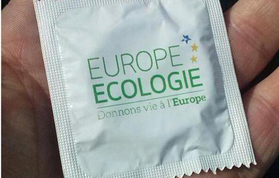 Des préservatifs au slogan de campagne «Donnons vie à l'Europe», ont été distribués par Europe Ecologie-Les Verts, lors de la manifestation du 1er mai 2014.