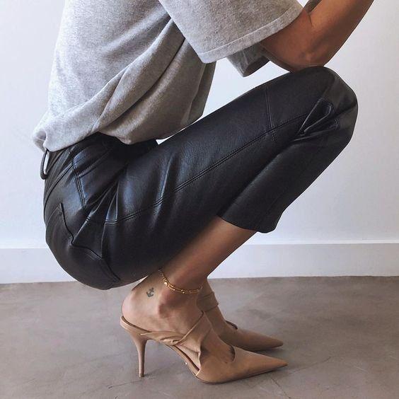 Spring outfit   Leather pants   Leather trousers   Grey shirt   Beige pumps   High heels   Beige heels   Classy   Glamorous   Tattoo   Gold jewellery   Casual chic   Grijs shirt   Leren broek   Beige schoenen   Beige hakken   Inspiration   More on Fashionchick