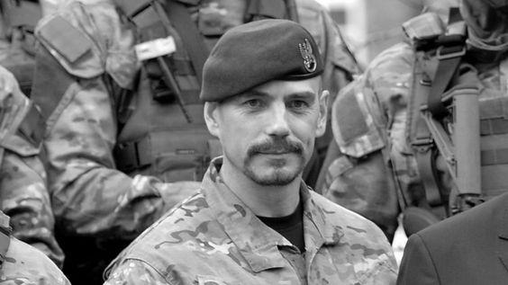 płk. Sławomir Berdychowski nie żyje (+48 lat) Znał się dobrze z byłym szefem GROM generałem Sławomirem Petelickim. Razem brali http://sowa2.quicksnake.net/Recognition/General-Petelicki-Tatarzyn-FO39-Antyjanus14-von-Stefan-Kosiewski-20120618-O-doktrynie-obronnej-RP-16-11-2005-o-polskiej-racji-stanu-15-11-2005 Petelicki zaczynał karierę typowo dla podobnych do niego, od prostego ubowca, pracowicie szpiclował ambasadora i pracowników ambasad PRL-u, potem szpiegował Polonię, tzn. Polaków, których: