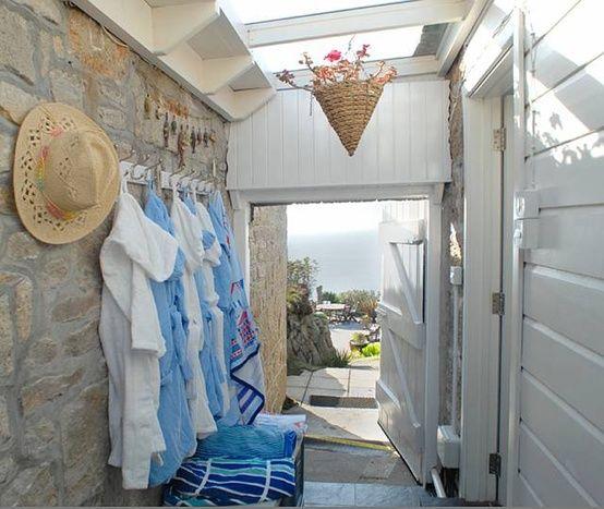 beachcomber: simply living