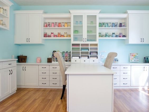 No matter what kind of crafter you are, a proper counter or desk space is key to spread out and dive into your projects. #CraftRoom #ArtsandCrafts #CaliforniaClosets:
