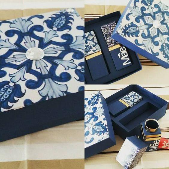 porta batom kit com duas embalagens feito em papel 180 gramas não acompanha o chocolate